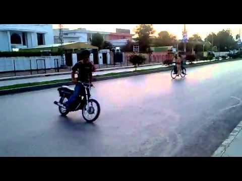 pakistani bike drifting