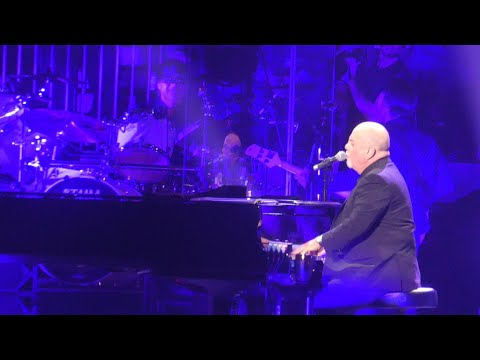 Robbery-Born-to-Run-Tenth-Ave-Freeze-Out-Vienna-Billy-Joel@New-York-22020