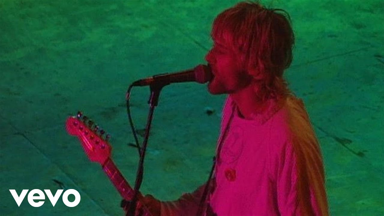nirvana-on-a-plain-live-at-reading-1992-nirvanavevo