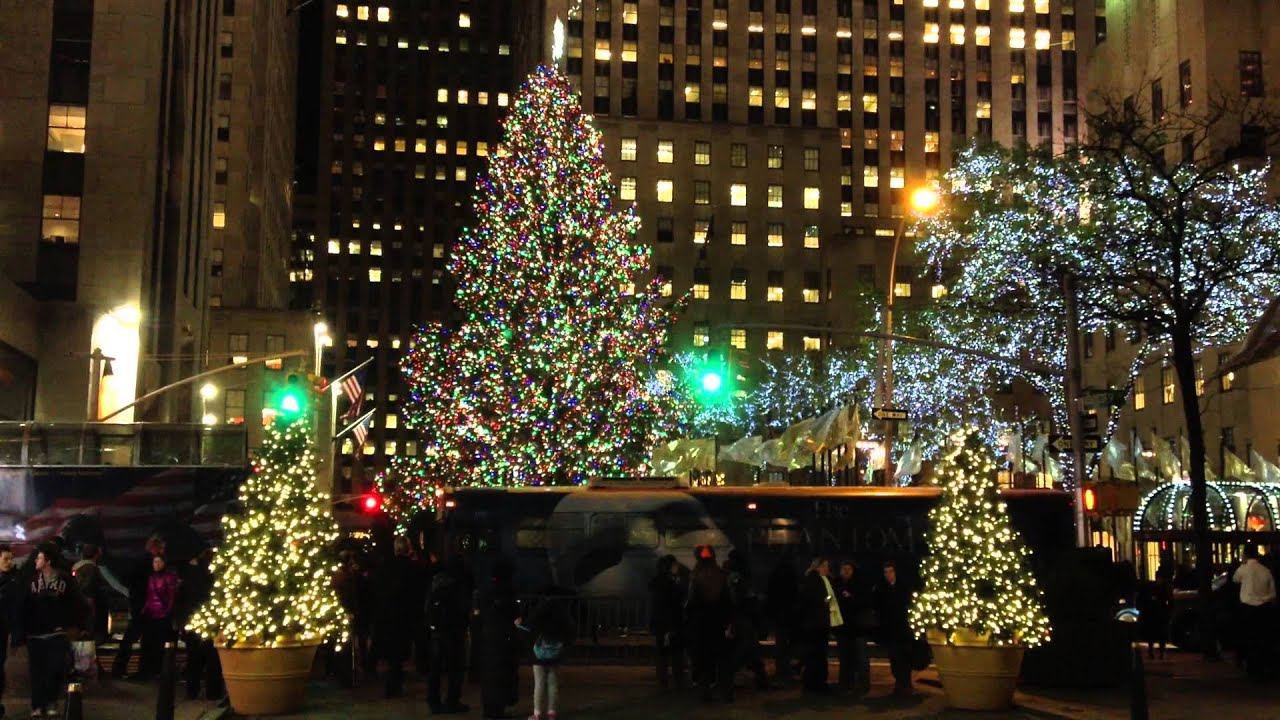 eine minute new york der weihnachtsbaum am rockefeller center endlich mal von der seite youtube. Black Bedroom Furniture Sets. Home Design Ideas