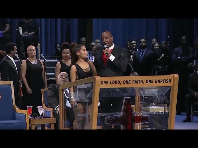 bishop-apologizes-for-how-he-touched-ariana-grande-at-aretha-franklin-funeral