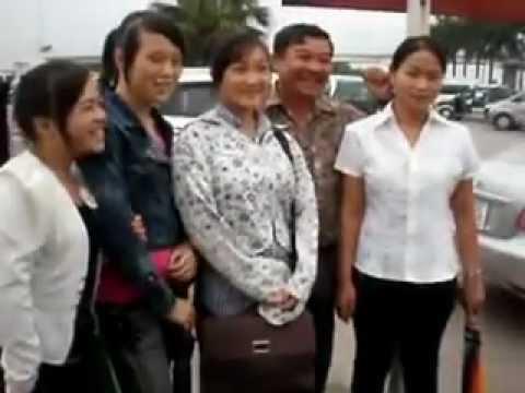 Nom phaj & npawg Tooj tuaj Viet Nam Dak Nong Txhav Rog C8 2011   YouTube