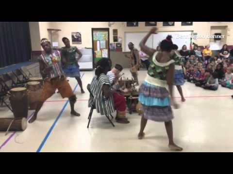 Saakumu performs traditional song and dance of Ghana at Molly Stark School