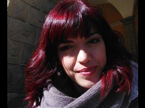 Capelli tinti di rosso
