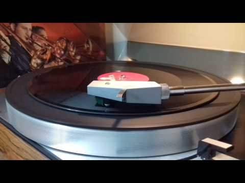 TIGER RAG, (  THE MILLS BROTHERS), a 78 RPM.