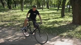 начинающим: безопасная посадка и сход с велосипеда. Александр Жулей