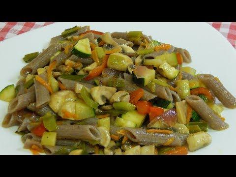 Receta muy fácil y sana de macarrones de trigo sarraceno (sin gluten) con verduritas