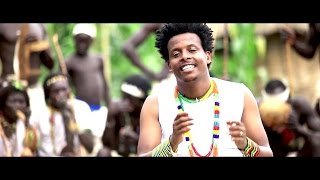 Asne Abate - Tri Tri(ቲሪ ቲሪ) - New Ethiopian Music 2017(Official Video)