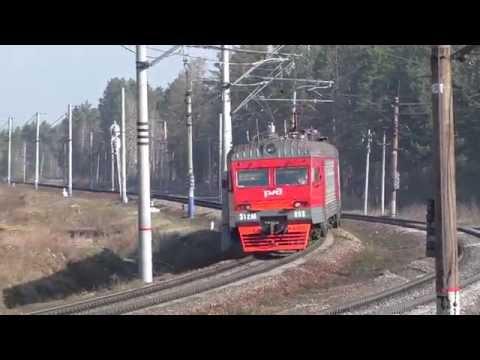 Электропоезд ЭТ2М-088 с сообщение Шаля - Екатеринбург