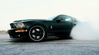 KEN BLOCK WHO: WRITING GYMKHANA MESSAGE WITH MUSTANG(TurboNuts presents an epic No Shoes: No Gymkhana video to salute Mr Ken Block and his Gymkhana Seven production team. Subscribe, share and ENJOY!, 2014-11-17T14:53:01.000Z)