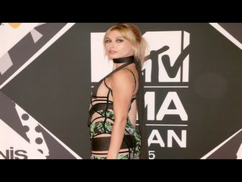 2015 MTV Europe Music Awards- Hailey Baldwin Risks Nip Slip In Cutout Dress