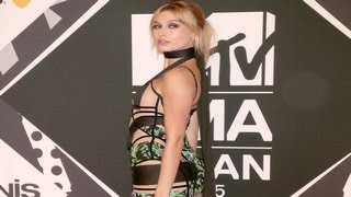 2015 MTV Europe Music Awards- Hailey Baldwin Risks Nip Slip In Cutout Dress