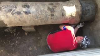 Врезка в чугунную трубу через жабо/Врезка в водопровод 400(, 2016-07-29T14:58:45.000Z)