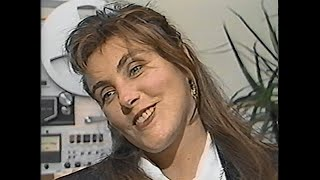 """Promo interview with laura branigan about the release of her new album """"touch"""" for cnn showbiz today aired on september 9, 1987. this great clip, presented b..."""