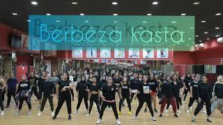 Download lagu BERBEZA KASTA  dj remix by thomas arya /zumba/dancefitness /TIKTOK/shan2lombok