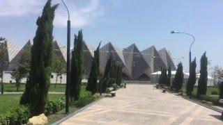 Бакинский кристальный зал - Bakı Kristal Zalı - Baku Crystal Hall(«Бакинский кристальный зал», или «Baku Crystal Hall» (азерб. Bakı Kristal Zalı) — построенный на площади государственного..., 2015-12-10T19:33:42.000Z)
