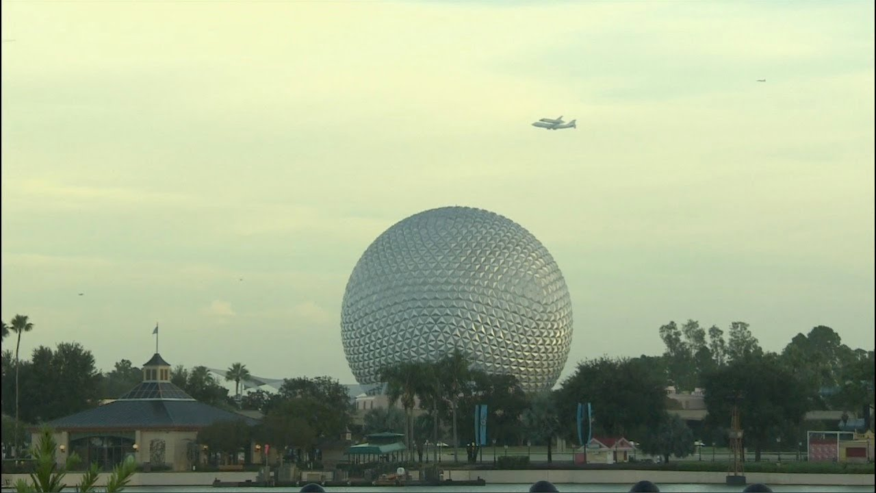 Space Shuttle Endeavour flies over Epcot and Magic Kingdom ...