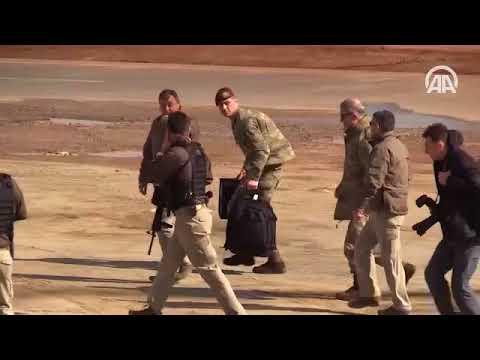 Orgeneral Akar Suriye sınırında