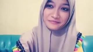 Download Video Cewek cantik nyanyi lagu saur sendirian Buka sendirian MP3 3GP MP4