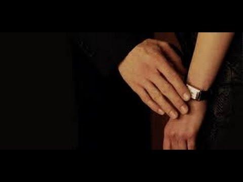 женские руки гифка занимает