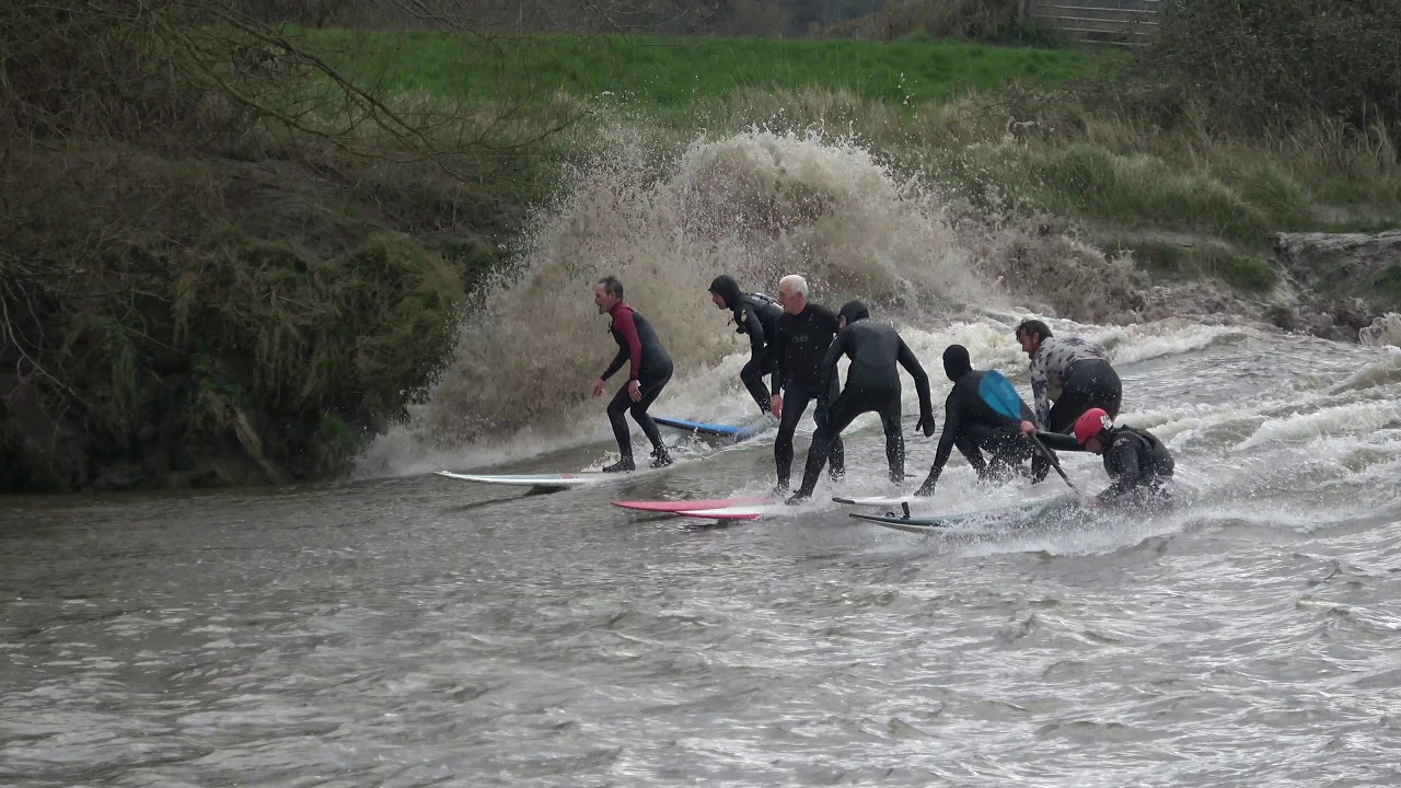 Uk Thrillseekers Flock To Surf Year S First Severn Bore Wave Phenomenon