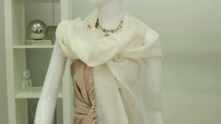 Accessorizing a Dress With a Shawl : Fashion & Style Tips