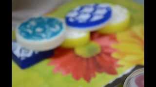 Мыло ручной работы со штампом(Мастер-класс по изготовлению мыла со штампами. На видео делаю три варианта и показываю несколько других...., 2014-06-12T14:47:58.000Z)