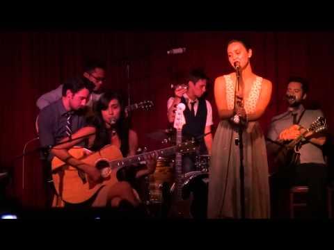 "Meg & Dia - ""Halloween"" (Live in Los Angeles 9-16-13)"