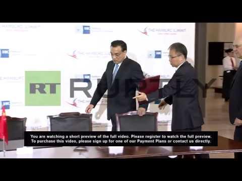 Germany: Li Keqiang signs the Golden Book of Hamburg at Sino-European summit