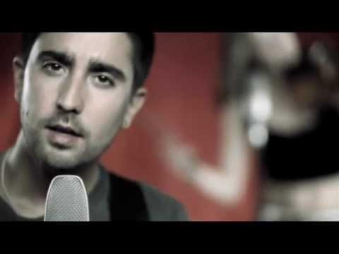 Alex Ubago - Amarrado A Ti [feat. Sharon Corr] (Official Music Video)