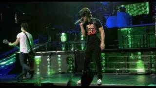 Jonas Brothers - Pushin me away (Concert) HD