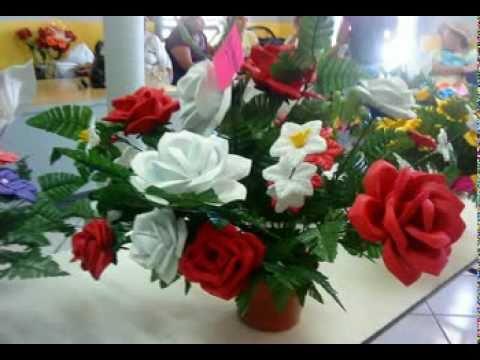 Flores de fomi exposicion echas por se oras de nacozari - Arreglos florales artificiales centros de mesa ...