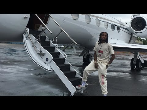 Quavo Gives A Tour Of The Migos Private Jet ''We Travel In Style''