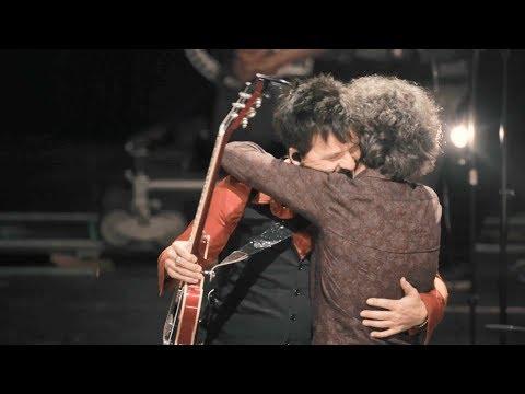 Coque Malla - Me dejó marchar (feat. Iván Ferreiro) (Videoclip Oficial)