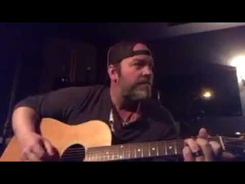 Lee Brice Pays Tribute To Daryle Singletary