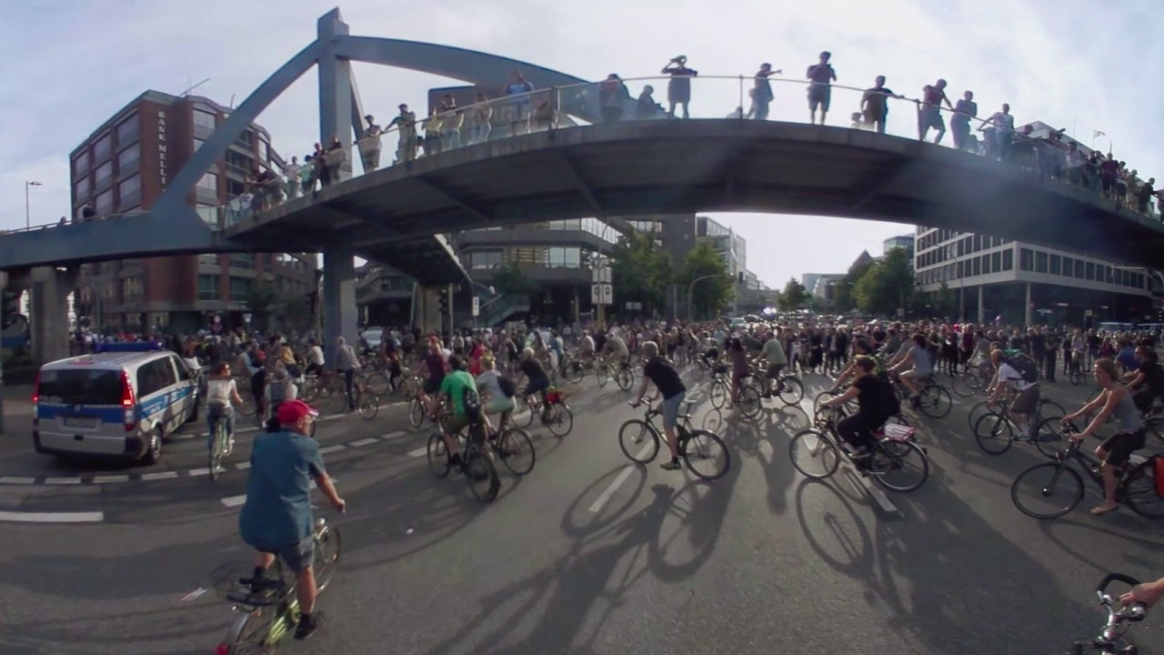 g20 protest in 360 cyclists take to hamburg streets in rally youtube. Black Bedroom Furniture Sets. Home Design Ideas