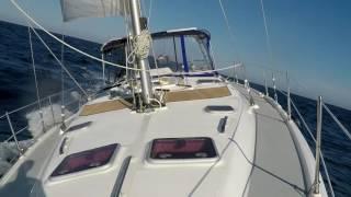 single handed sailing 46 foot sailboat hunter 466 awesome wind sailing hunter 466