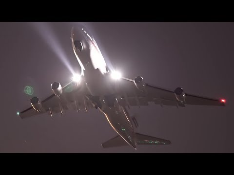 EPIC Boeing 747-400 NIGHT TAKEOFF with starry sky - [Sony a7s]