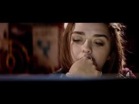 Kyberšikana/Cyberbully - Celý film (CZ DABING) Maisie Williams