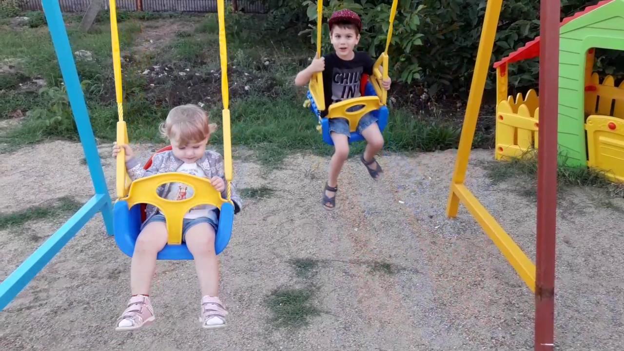 Детские электронные качели Happy Baby «Jolly» - YouTube
