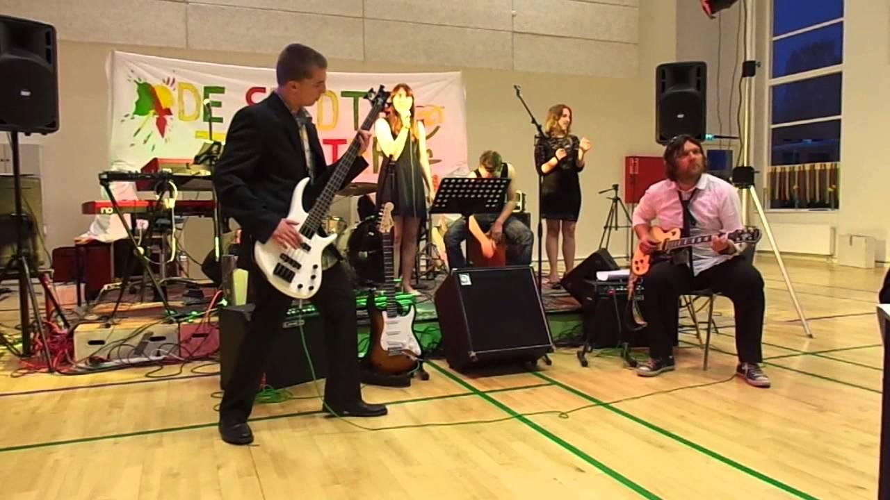 Camilla, Nicolai, Jane og Christian og selvfølgelig vores musiklærer - Anders