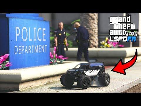 First EVER Police RC Car Patrol!! (GTA 5 Mods - LSPDFR Gameplay) thumbnail
