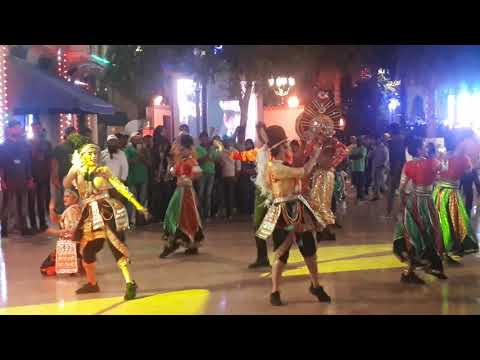 Sharukkhan  Dubai Bollywood park  dance