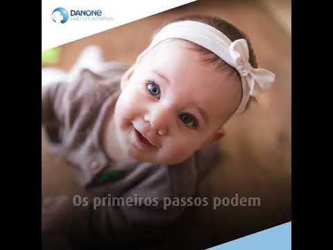 4583a1aec46b8 Marcos do desenvolvimento: idade que bebê irá sentar, engatinhar e andar