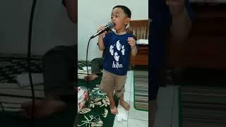 Hans Darel Bernyanyi lagu Mardua Holong part 5