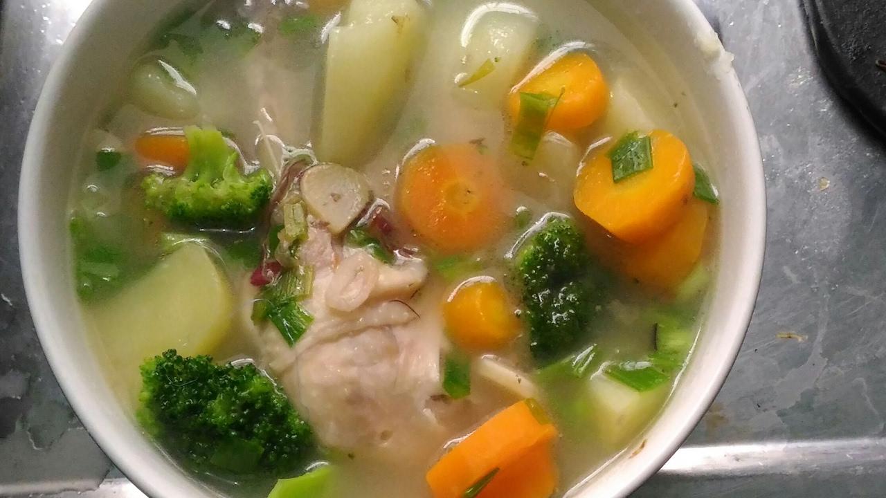 Cara Membuat Sop Ayam Kampung Agar Daging Empuk Kaldu Keluar Dan Bumbu Meresap