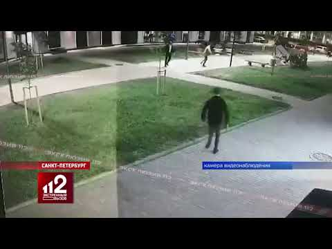 Ходил по улице и отстреливал обидчиков! Видео!