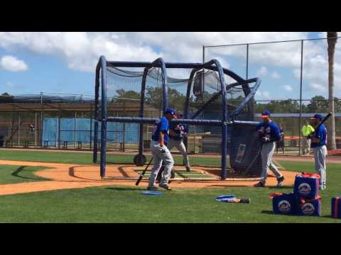 New York Mets Tim Tebow takes batting practice