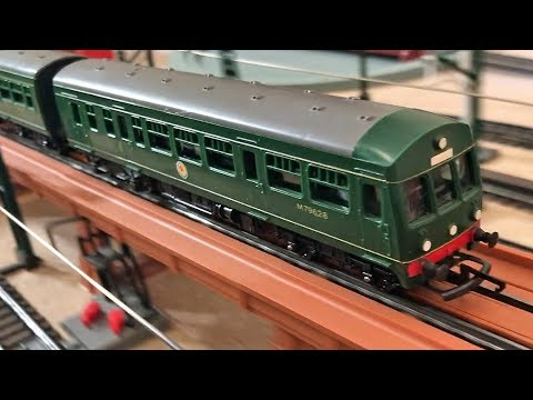 Tri-ang Railways R 157 Diesel Railcar and a look at R 408 Turntable power  supply