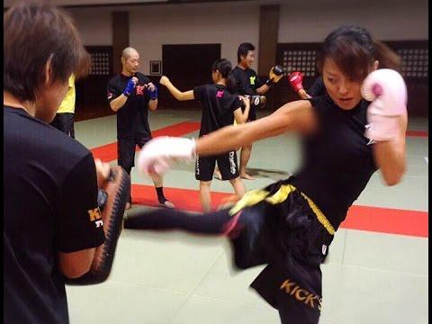 キックボクシング女子HIROのキッ...